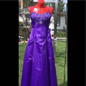 😍City Triangle Ball Gown🌺